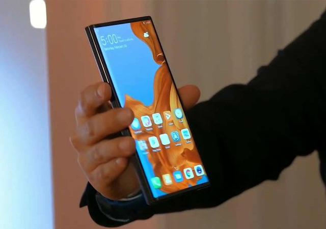 Huawei katlanabilir telefonunu tanıttı! Mate X