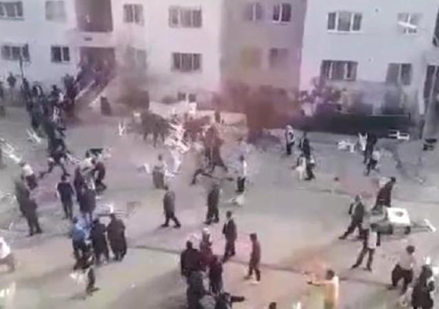 Adana'da sokak düğününde kavga