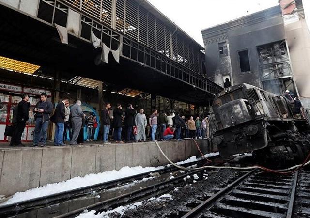 Mısır Ulaştırma Bakanı istifa etti! Tren kazası olmuştu