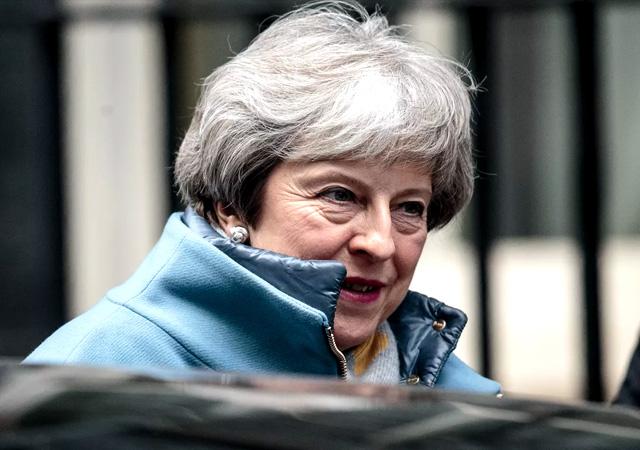 Theresa May rest çekti: Brexit'i imzalayın, istifa edeyim!