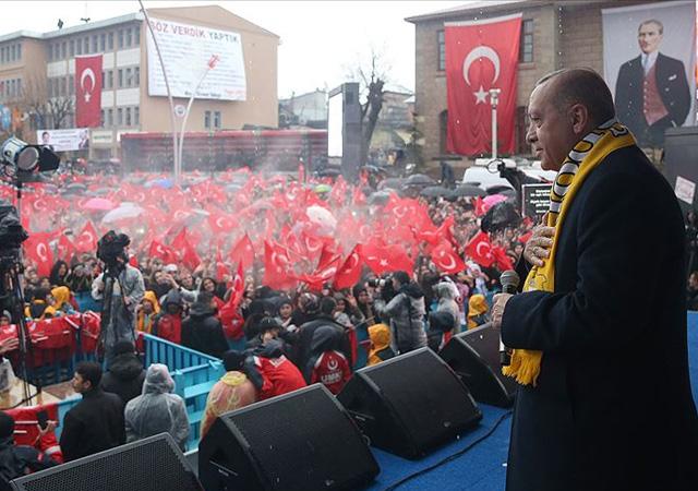 Erdoğan: Birileri kur manipülasyonuyla...