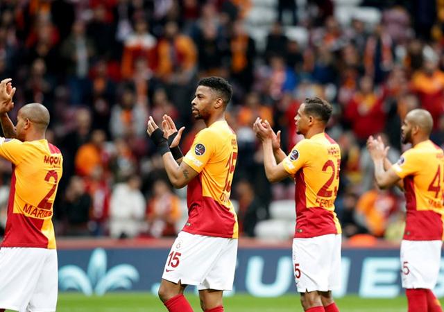 Galatasaray zirve takibini bırakmadı! Derbi öncesi şok...