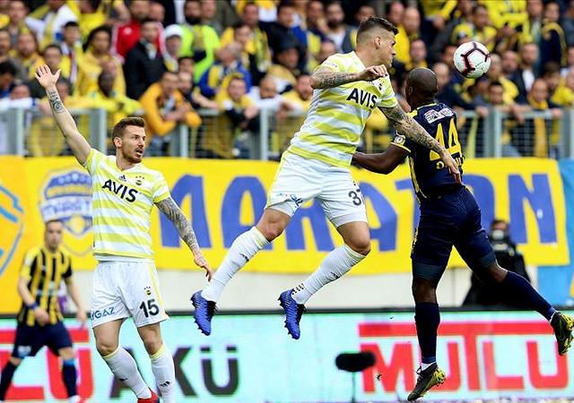 Fenerbahçe, derbi öncesi kayıp! 1-1