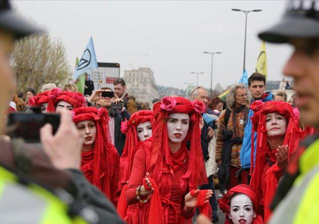 Londra'da 600'den fazla protestocu gözaltına alındı