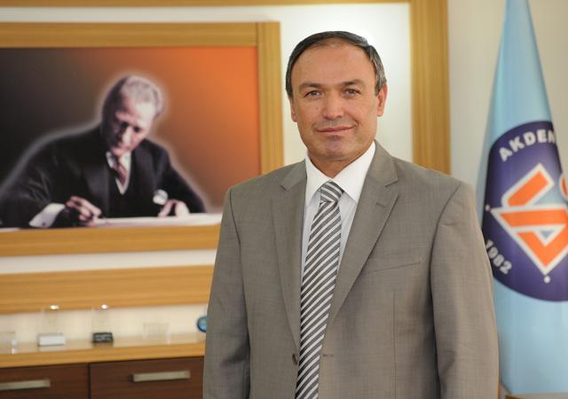 Gülen'i ziyaret eden eski rektöre, FETÖ üyeliğinden...