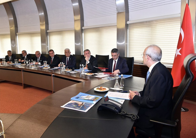 Kılıçdaroğlu, CHP'li başkanlar ile ilk kez bir araya geldi