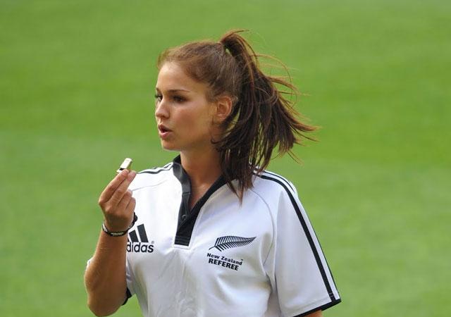 Kadın hakemler Süper Lig'de düdük çalabilecek!