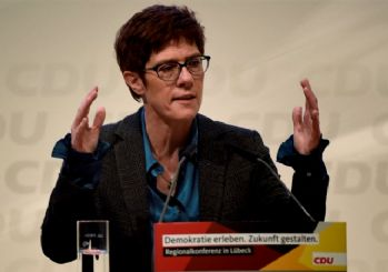 İşte Almanya'nın yeni Merkel'i Karrenbauer