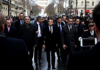 Paris'te Macron istifa sesleri!