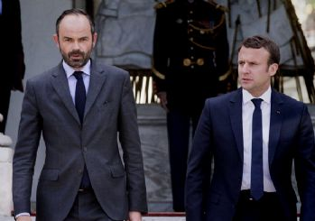 Fransa Başbakanı açıkladı: Vergi artışı 6 ay ertelendi