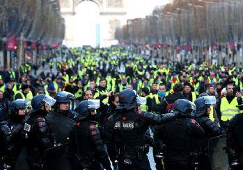 Fransa'da dev protesto başladı! Polis müdahale ediyor