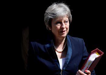 May, Brexit oylamasının ertelemek zorunda kaldı