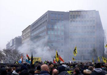 Binlerce gösterici sokaklarda! Belçika savaş alanına döndü
