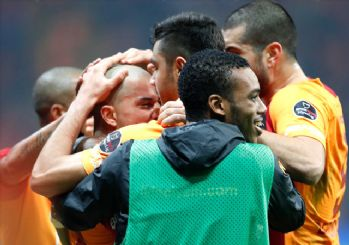 Galatasaray'dan gol yağmuru! Aslan zirve için kükredi 4-2