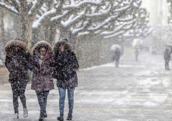 İstanbul beyaz büründü: Meteoroloji'den peş peşe uyarı