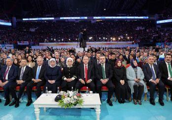 Erdoğan, AK Parti'nin İstanbul büyükşehir ve ilçe adaylarını açıkladı