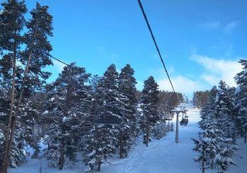 Kayak merkezinde arıza: 81 kişi mahsur kaldı