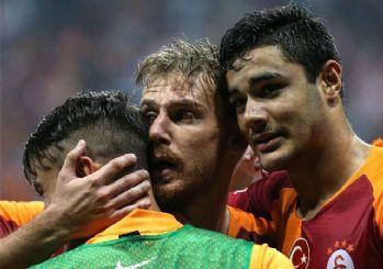 Galatasaray'da sürpriz gelişme! Takımda kalacaklar