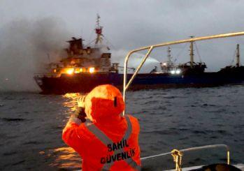 İstanbul Pendik'te gemide yangın çıktı