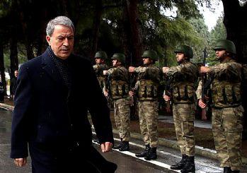 Hulusi Akar operasyon sinyali: Terör koridoruna izin vermeyeceğiz!