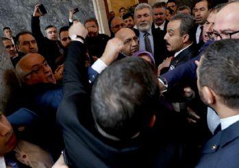 AKP'li ve HDP'li vekiller birbirine girdi