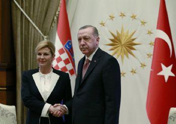 Erdoğan: Suriyeliler teröristler ile iç içe yaşayamaz