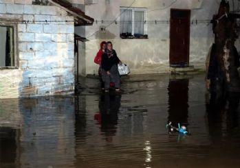 Hatay'da alarm verildi! Evler sular altında kaldı