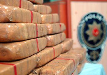 İstanbul'da 850 kg eroin! 2 kişi gözaltına alındı