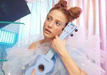 Nil Karaibrahimgil'den Serenay'a şarkı!  Alice müzikali için seslendirecek