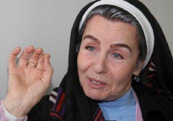 Fatma Girik hastaneye kaldırıldı!