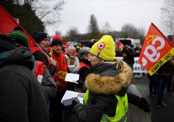 Fransa'da grev ilanı! 24 saat sürecek