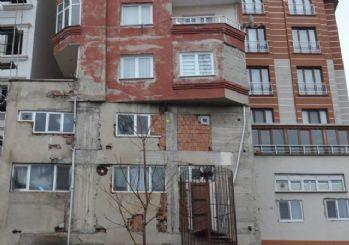 Bağcılar'daki 9 katlı bina şaşırttı!