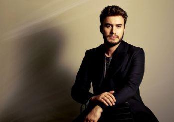 Mustafa Ceceli'nin ''Yaz Bunu Bir Kenara'' isimli şarkısının video klibi yayınlandı!