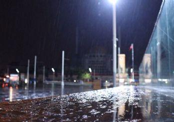 İstanbullular dikkat: Kar yağışı başladı!