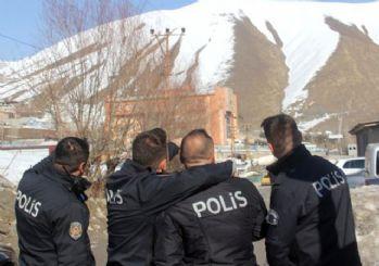 Hakkari tepesinde Atatürk silüeti