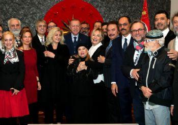 Sanatçılardan Erdoğan'a sürpriz doğum günü