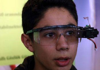 Lise öğrencisi engelliler için gözlük geliştirdi