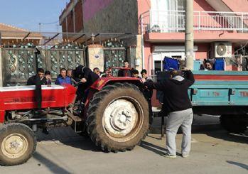 Traktör römorkundaki 9 genç taraftar yaralandı!