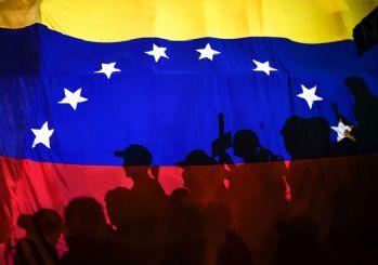 ABD Venezuela'daki diplomatik personelini çekiyor