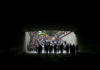 Venezuela'da elektrik kesintileri! Maduro: İki sabotajcıyı yakaladık