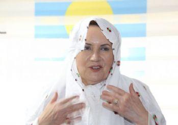 Meral Akşener'den Abdurrahman Gazi Türbesi'ne ziyaret