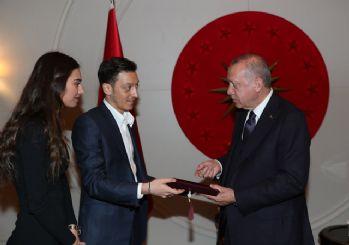 Erdoğan, Mesut Özil'i kabul etti