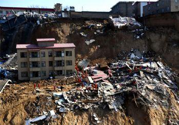 İnanılmaz olay! Çin'de toprak kayması: 10 ölü