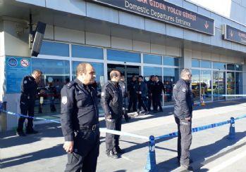 Kayseri Havalimanı'nda silah sesleri: 2 polis yaralı