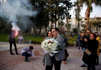 Hatay'da 'gözaltında' evlenme teklifi