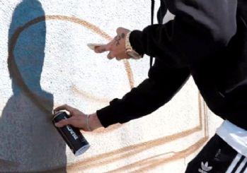 Adamlar Yapmış! Ak Partili gençlerin yapmış olduğu grafiti gösterileri