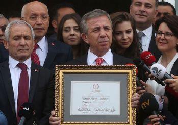 Mansur Yavaş resmen Ankara Başkanı oldu! Mazbatasını aldı