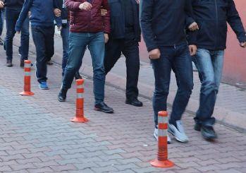 İzmir'de iki ayrı FETÖ operasyonu: 65 kişiye gözaltı kararı