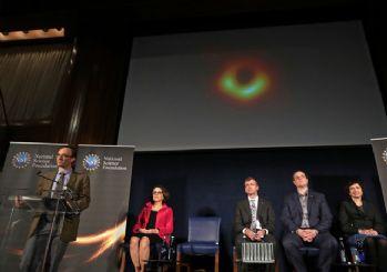 İlk kara delik fotoğrafı yayınlandı!