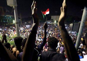 Sudan'da askeri hareketlilik!